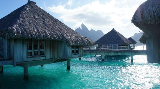 Five Romantic Resorts For A Wedding In French Polynesia