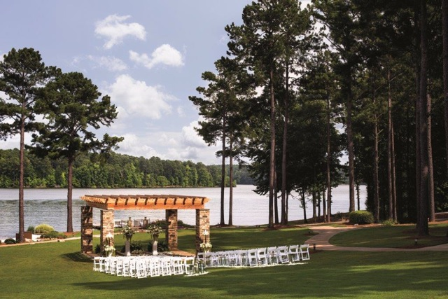 An outdoor ceremony at the Ritz Carlton Lodge, Reynolds Plantation