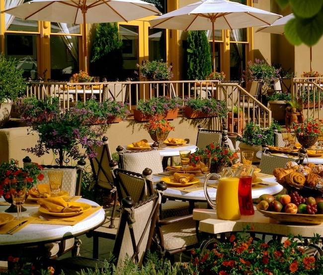 Outdoor-dining-LaPosada