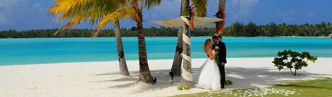 Planning a bora bora destination wedding enter the st regis beach wedding at st regis bora bora junglespirit Choice Image