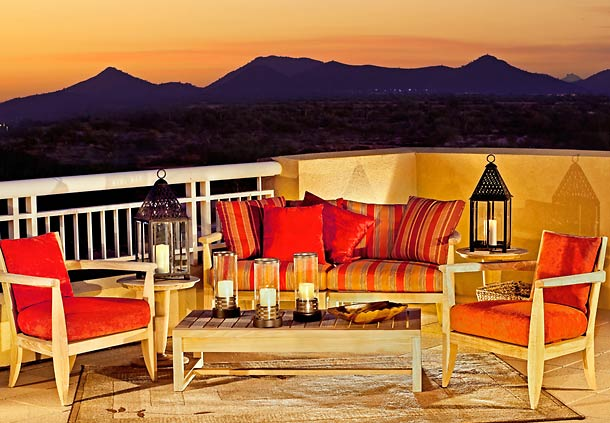 Patio at sunset at Marriott Phoenix Desert Ridge
