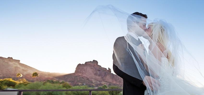 wedding couple with Camelback Mountain view