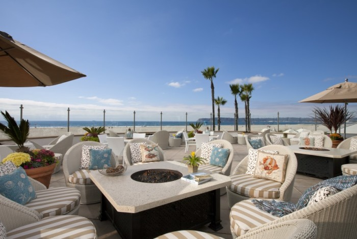 Hotel Del Coronado's Windsor Cottage—just the spot for welcome wedding cocktails