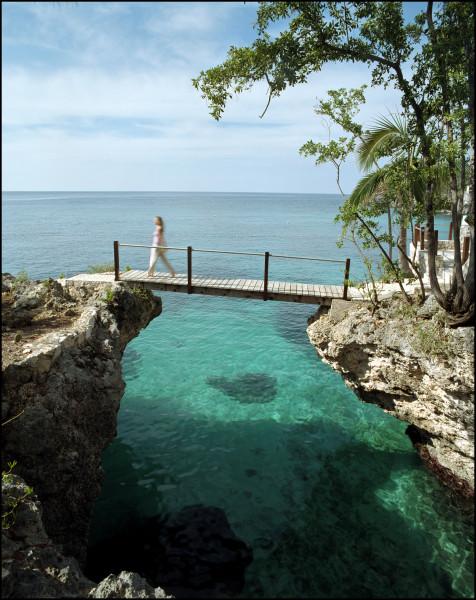 A bridge over the Caribbean at Rockhouse