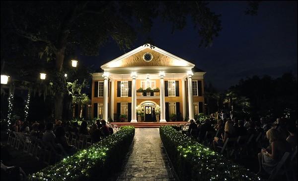 A lantern-lit wedding at Southern Oaks Plantation
