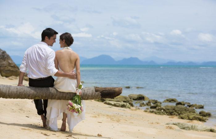 Wedding couple at Thailand's InterContinental Samui Baan Taling Ngam Samui